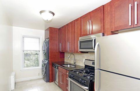 26 Constantine Pl, Summit, NJ 07901. Apartment For Rent