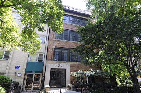 Photo of 1433 N Dearborn St Apt 2, Chicago, IL 60610