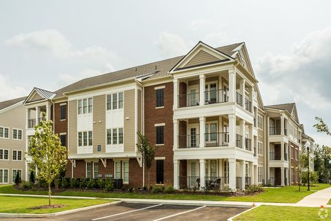 Photo of 30 Gates Mill St Nw, Huntsville, AL 35806
