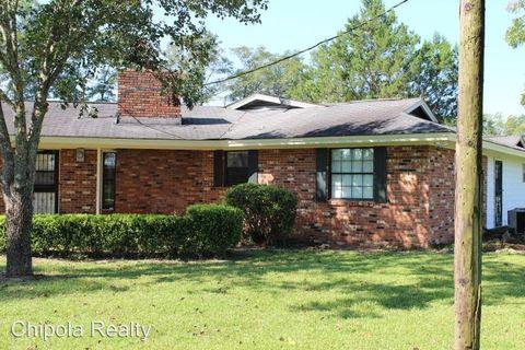 1930 Lovewood Rd, Cottondale, FL 32431