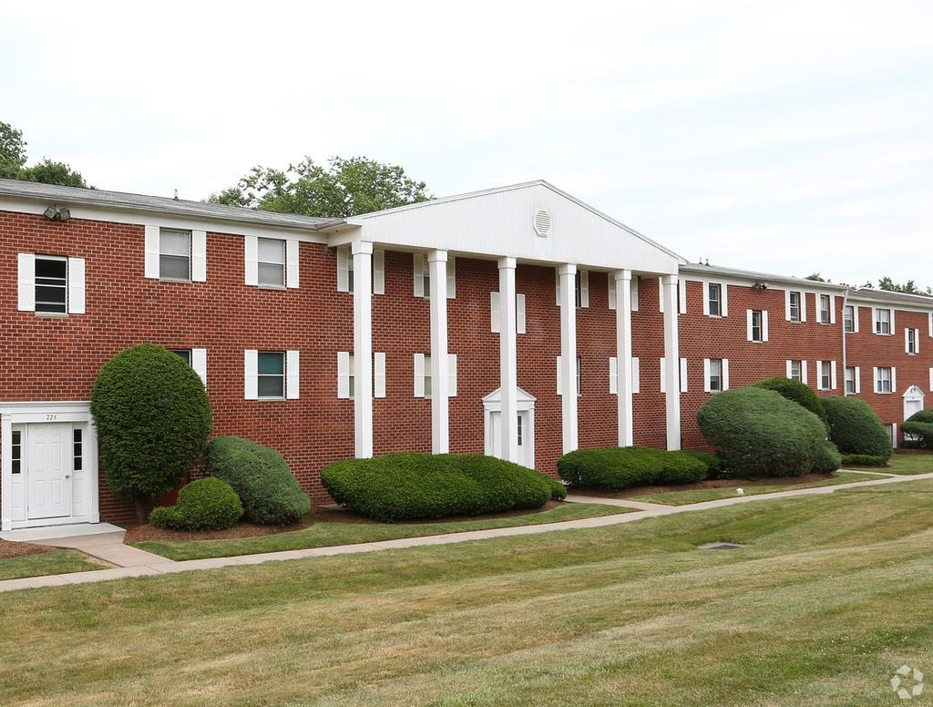 Hamden Ridge Apartments