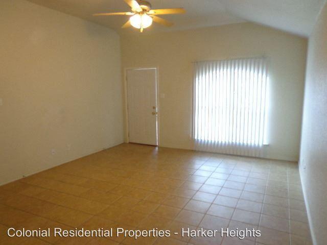 203 Dale Earnhardt Dr, Harker Heights, TX 76548