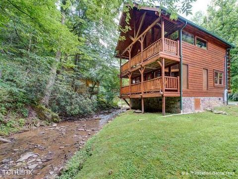 361 Caney Creek Rd, Gatlinburg, TN 37863