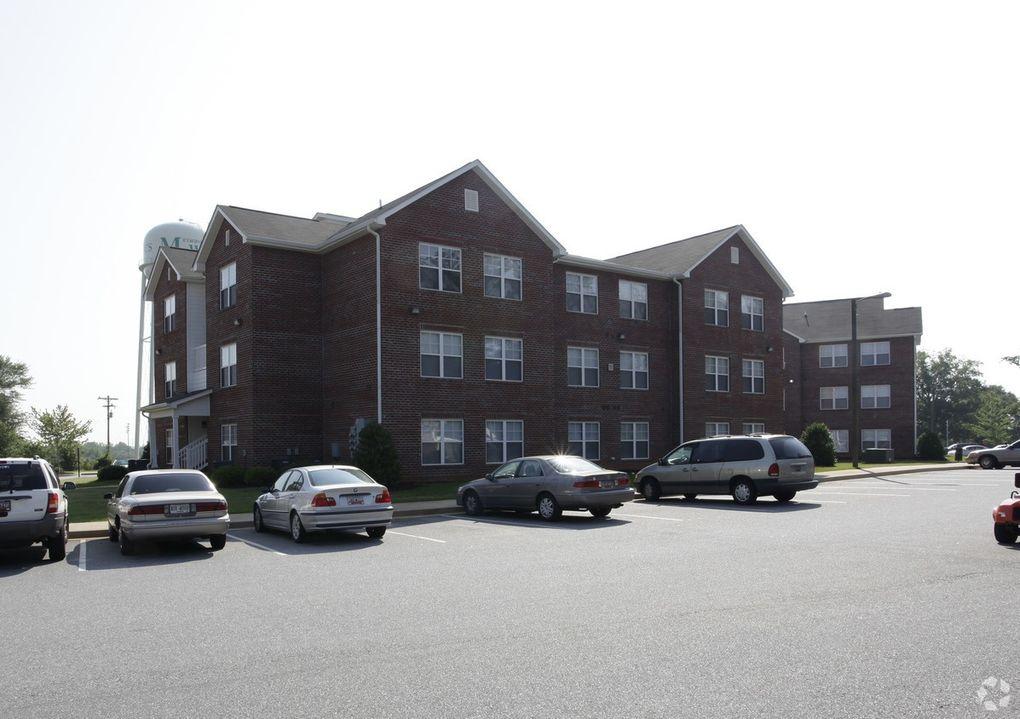 7904 Valley Falls Rd, Spartanburg, SC 29303
