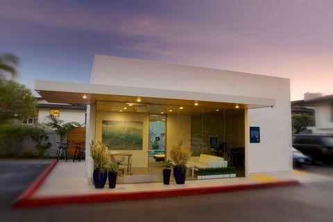 Photo of 919 Bayside Dr, Newport Beach, CA 92660