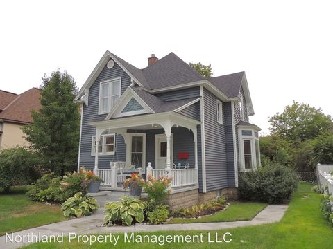 917 S Union St, Traverse City, MI 49684