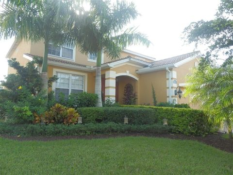 Photo of 8674 Colony Trace Dr, Fort Myers, FL 33908