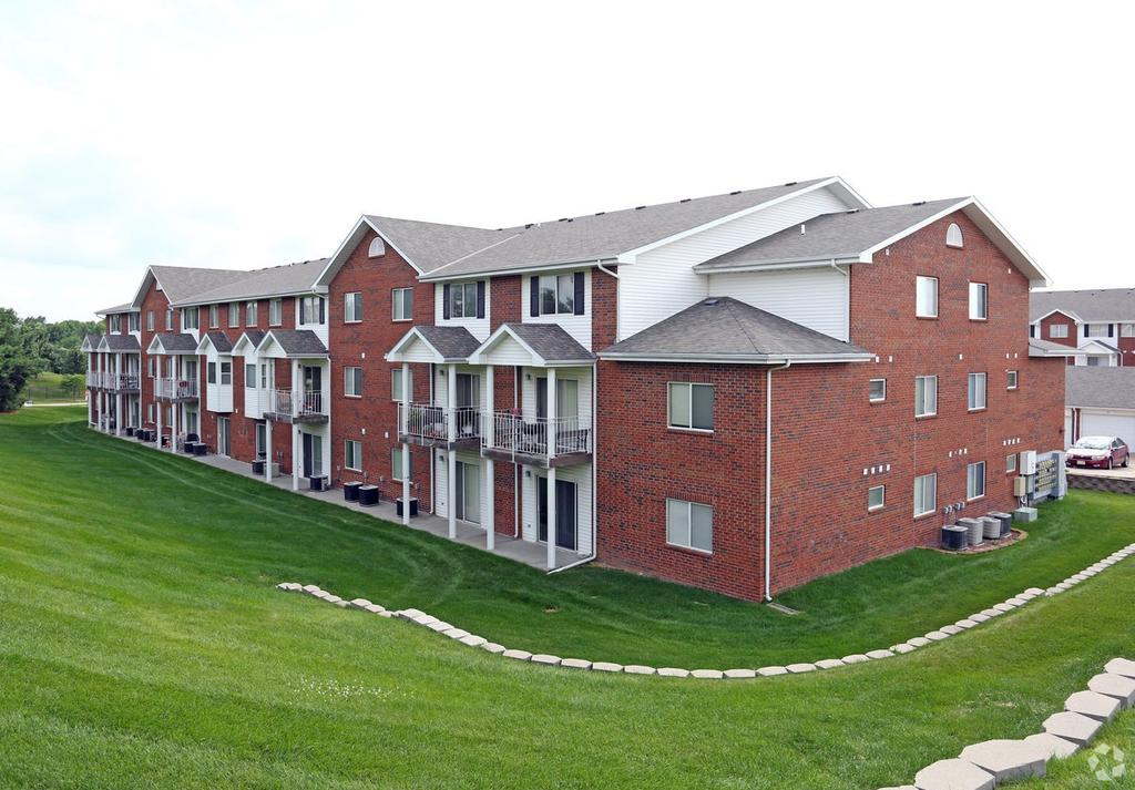 Pine Lake Heights Apartments