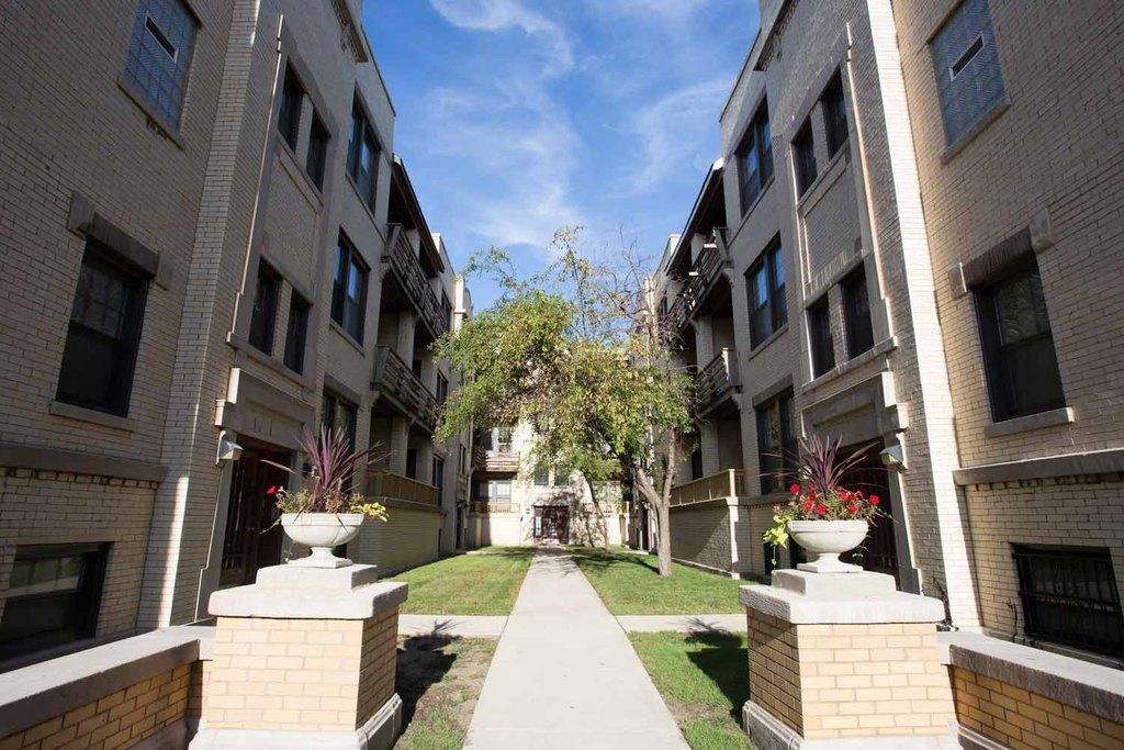 5411-5421 S. Ellis Avenue