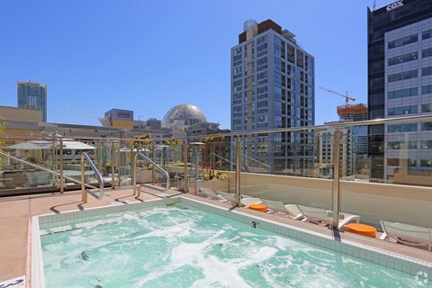 Photo of 450 10th Ave, San Diego, CA 92101