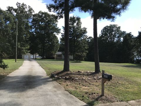 Photo of 6060 Rocky Creek Dr, Douglasville, GA 30135