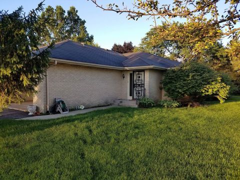 Photo of 6005 Boxwood Dr, Rockford, IL 61114