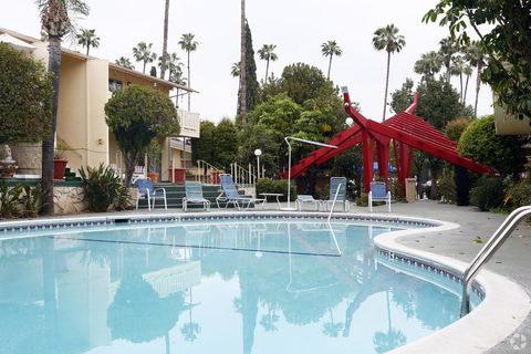 Photo of 14155 Magnolia Blvd, Sherman Oaks, CA 91423
