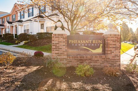 Photo of 321 Pheasant Run Cir, Harrisonburg, VA 22801