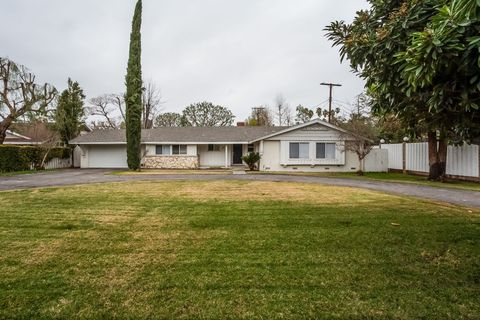 Photo of 22419 Victory Blvd, Canoga Park, CA 91307