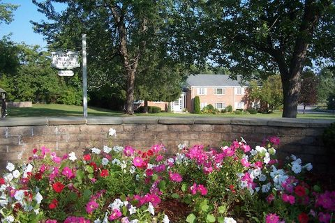 Photo of 1 Colonial Pkwy, Pittsford, NY 14534