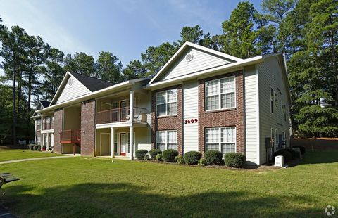 Photo of 3605 Sapphire Rd, Fayetteville, NC 28303
