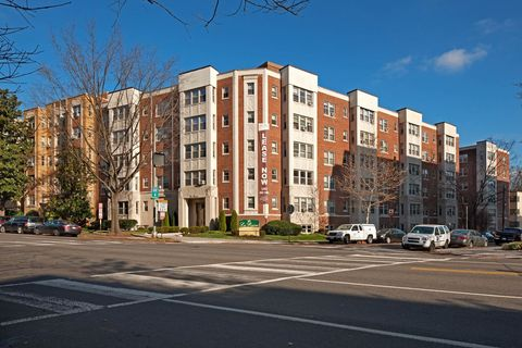 Photo of 5425 Connecticut Ave Nw, Washington, DC 20015