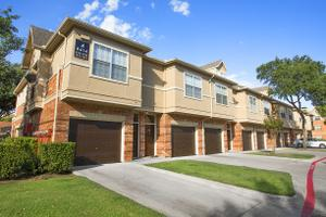 Apartments for Rent at 8600 Valley Ranch Pkwy W, Irving, TX, 75063 ...