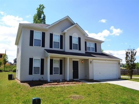 Photo of 15 Garfield Ln, Simpsonville, SC 29681