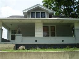 12 Blakely Ave, Terre Haute, IN 47803