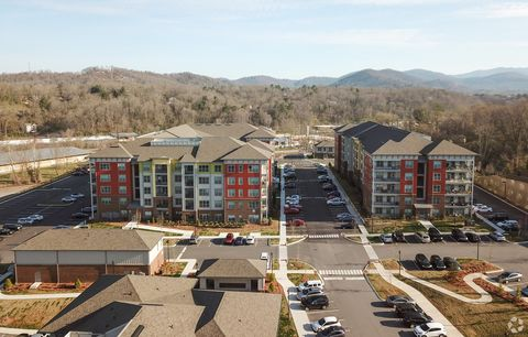100 District Dr, Asheville, NC 28803