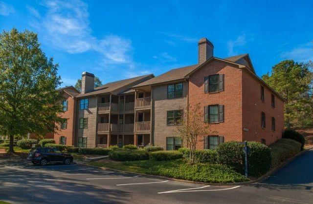 Woodmere Creek Apartments