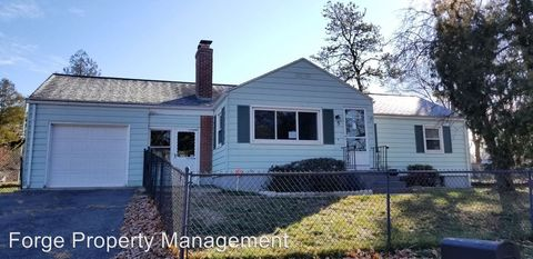 Photo of 5 Fredette St, Springfield, MA 01109