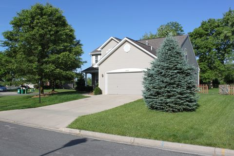 Photo of 2465 Dewpoint Cir, Fairborn, OH 45324