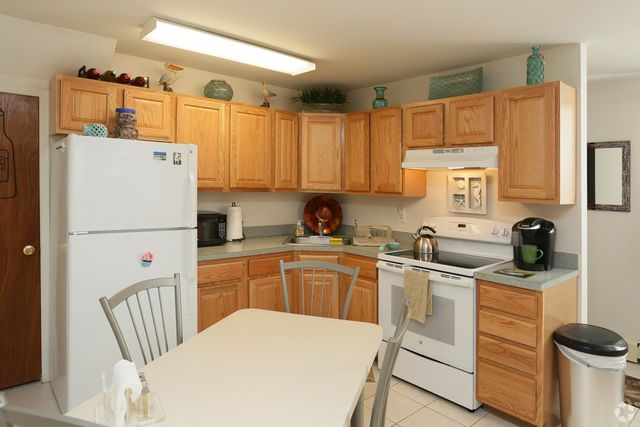 Maple Crest Apartments At Williston Park Rentals. Previous. Next. 21  Baldwin Path Deer Park Ny 11729 Realtor Com 174