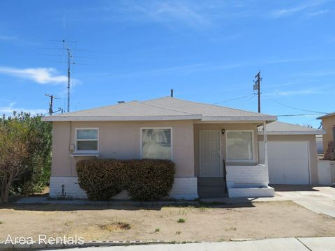 713 S First St, Barstow, CA 92311
