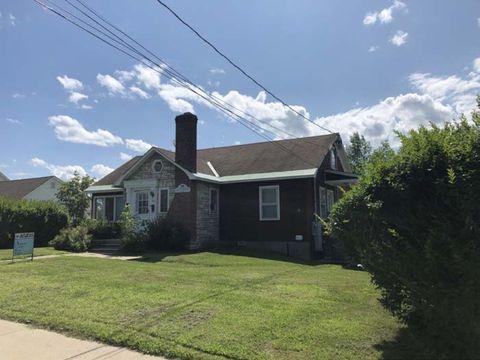 Photo of 98 Court St 98 3 Court St, Middlebury, VT 05753