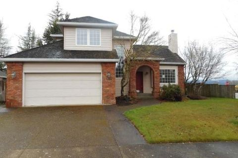 Photo of 1385 Nw Countryside Ct, McMinnville, OR 97128