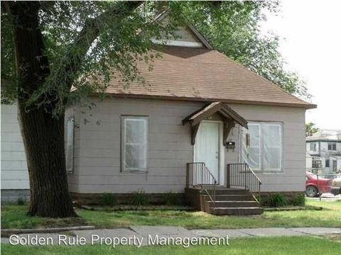 17 E 13th Ave, Hutchinson, KS 67501
