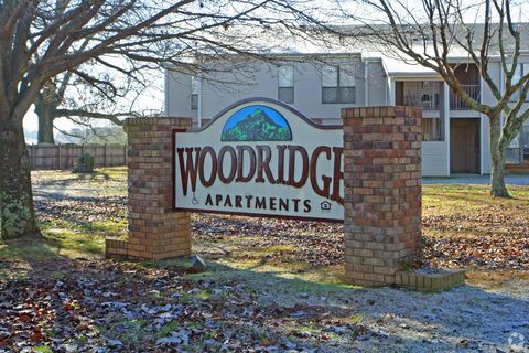 Photo of 1200 Woodridge Dr, Athens, AL 35611