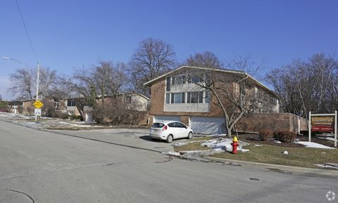 Photo of 5400 N Iroquois Ave, Glendale, WI 53217