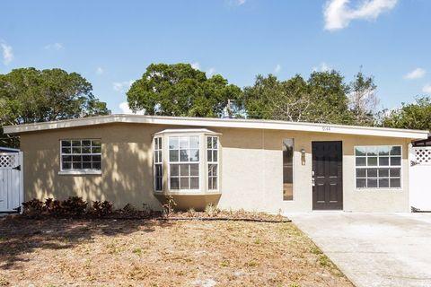 9144 82nd Way, Seminole, FL 33777