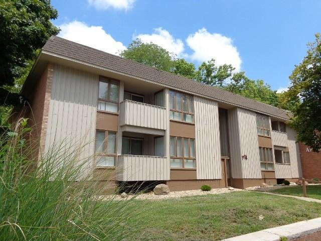 Carriage Hill Apartments