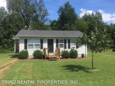 241 Meadow Run Ln, Lexington, NC 27292