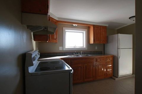 Photo of 69 Pleasant St Apt 4, Waterville, ME 04901