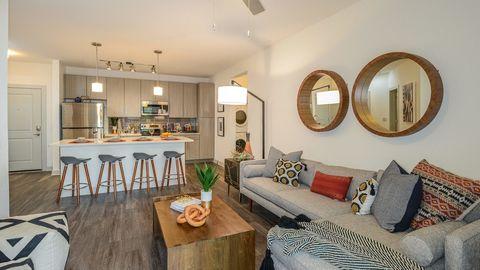 Apartments Near  W Hillsborough Ave Tampa Fl