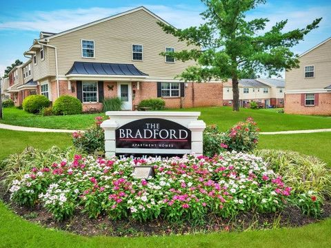 25 Bradford Dr, Leola, PA 17540