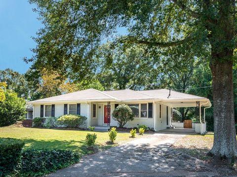 Photo of 2461 Fontaine Cir Rm 2, Decatur, GA 30032