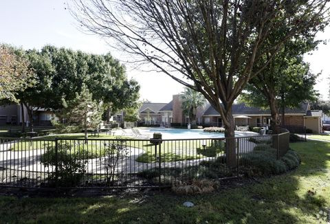 Photo of 510 Indian Dr, Waxahachie, TX 75165