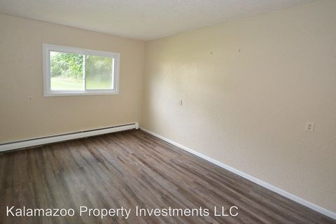 Photo of 1313-1321 Huntington Ave, Kalamazoo, MI 49048