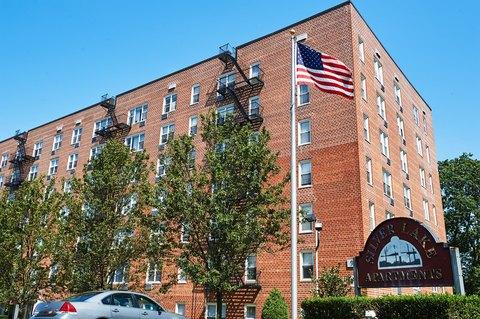 937 Victory Blvd, Staten Island, NY 10301