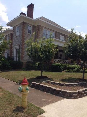Photo of 529 Leighton Ave Apt 3 A, Anniston, AL 36207