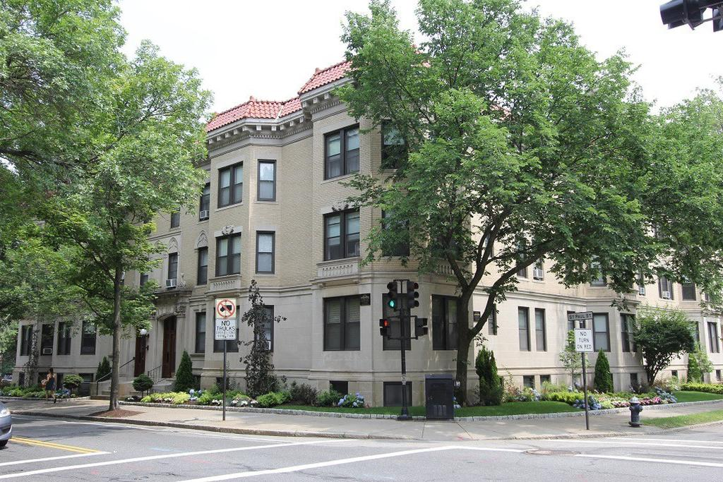 Freeman / Saint Paul Apartments