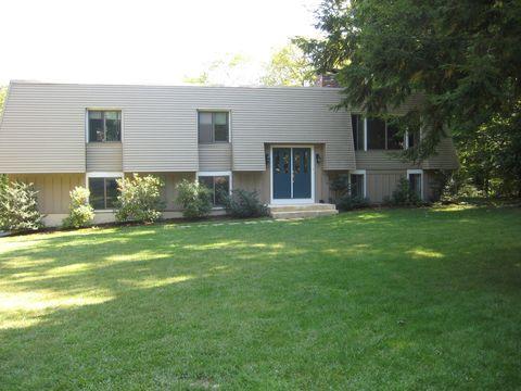 Photo of 31 Rocklyn Dr, West Simsbury, CT 06092