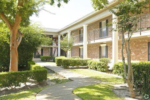 Photo of 8900 Fondren Rd, Houston, TX 77074
